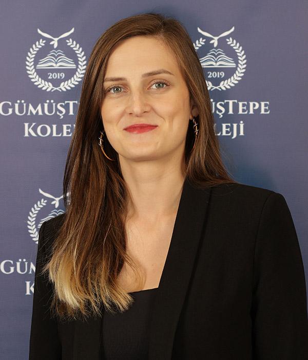 Esra Kaya